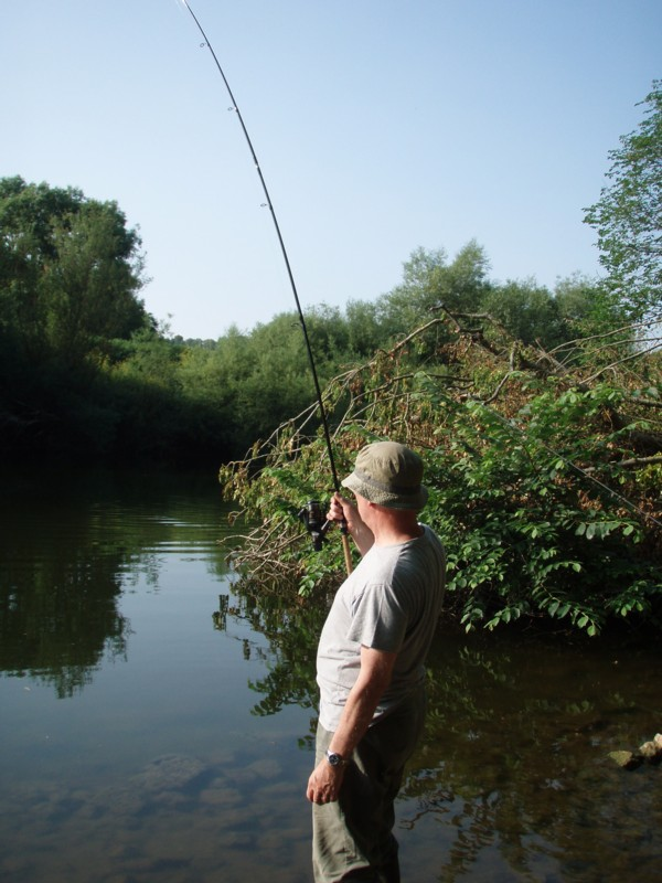 Tony-playing-a-barbel