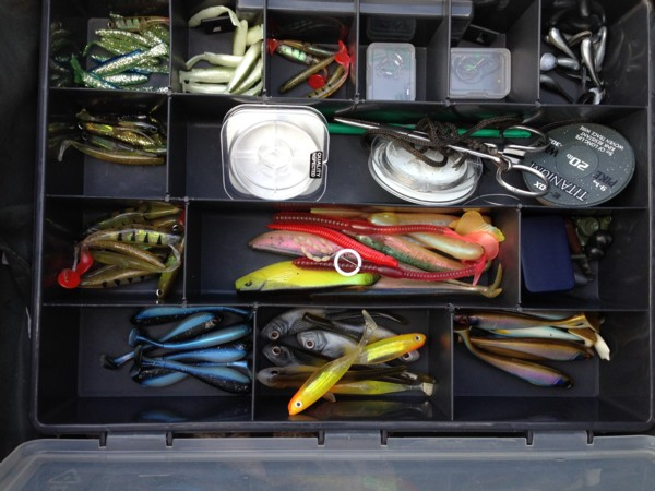 Lure box for drop shotting